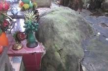 'Ngài đá' linh thiêng giúp tìm lại đồ bị mất